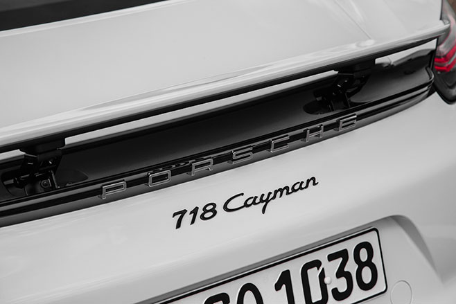 658_Porsche -718-Cayman -first -drive -review _badge