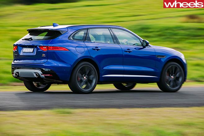 Jaguar -F-Pace -S-side -driving