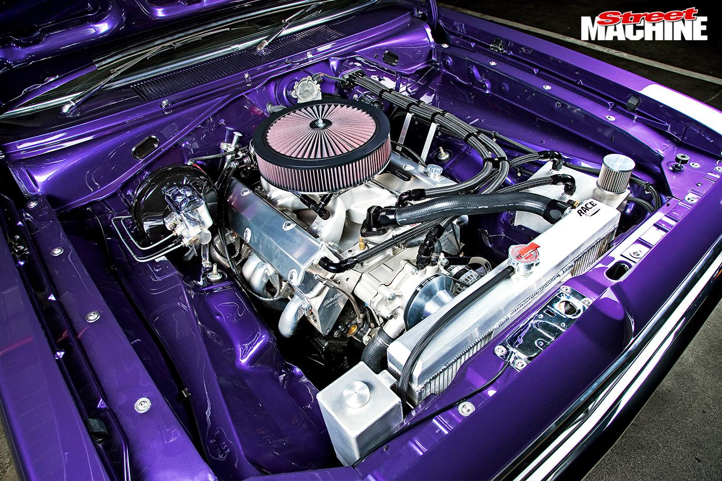 Chrysler -vk -valiant -charger -engine -bay