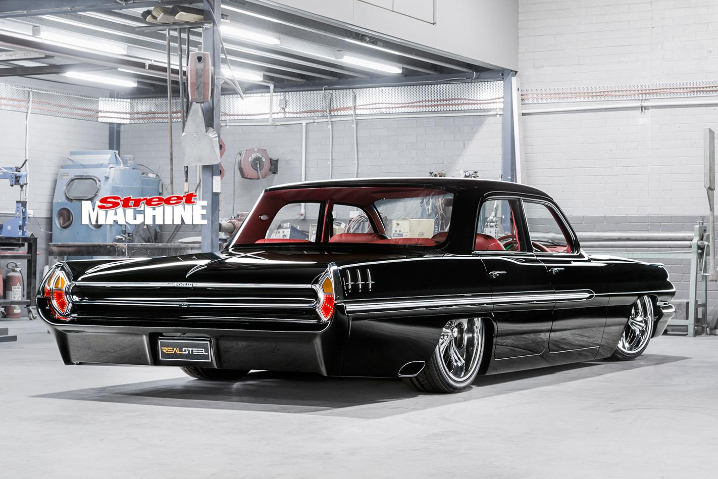 Pontiac -Laurentian -rear -angle