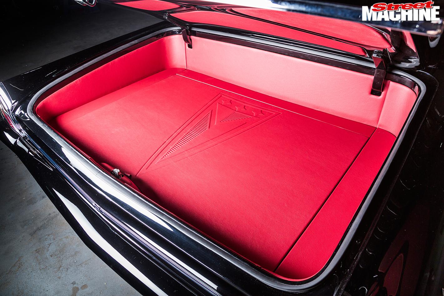 Pontiac -Laurentian -boot -2
