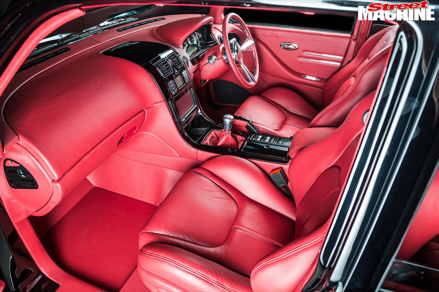 Pontiac -Laurentian -interior -front -2