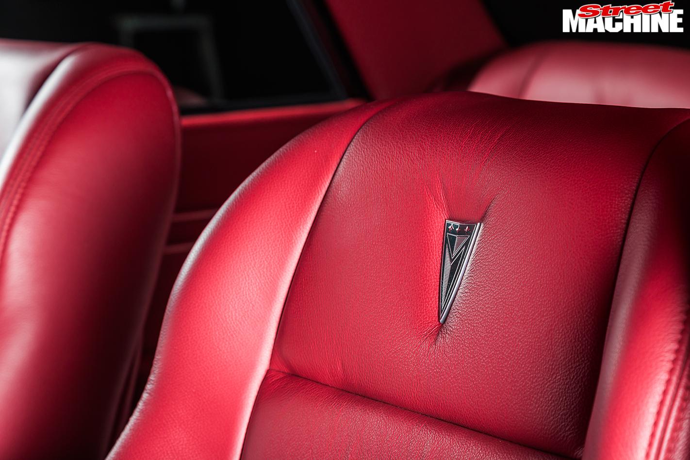 Pontiac -Laurentian -interior -seat -detail