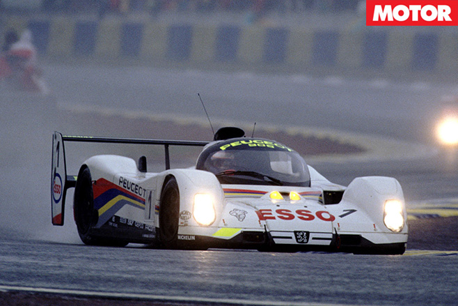 Peugeot Oxia 905 front driving