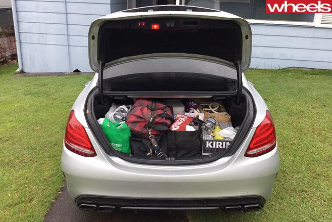 Mercedes -AMG-C63-S-boot