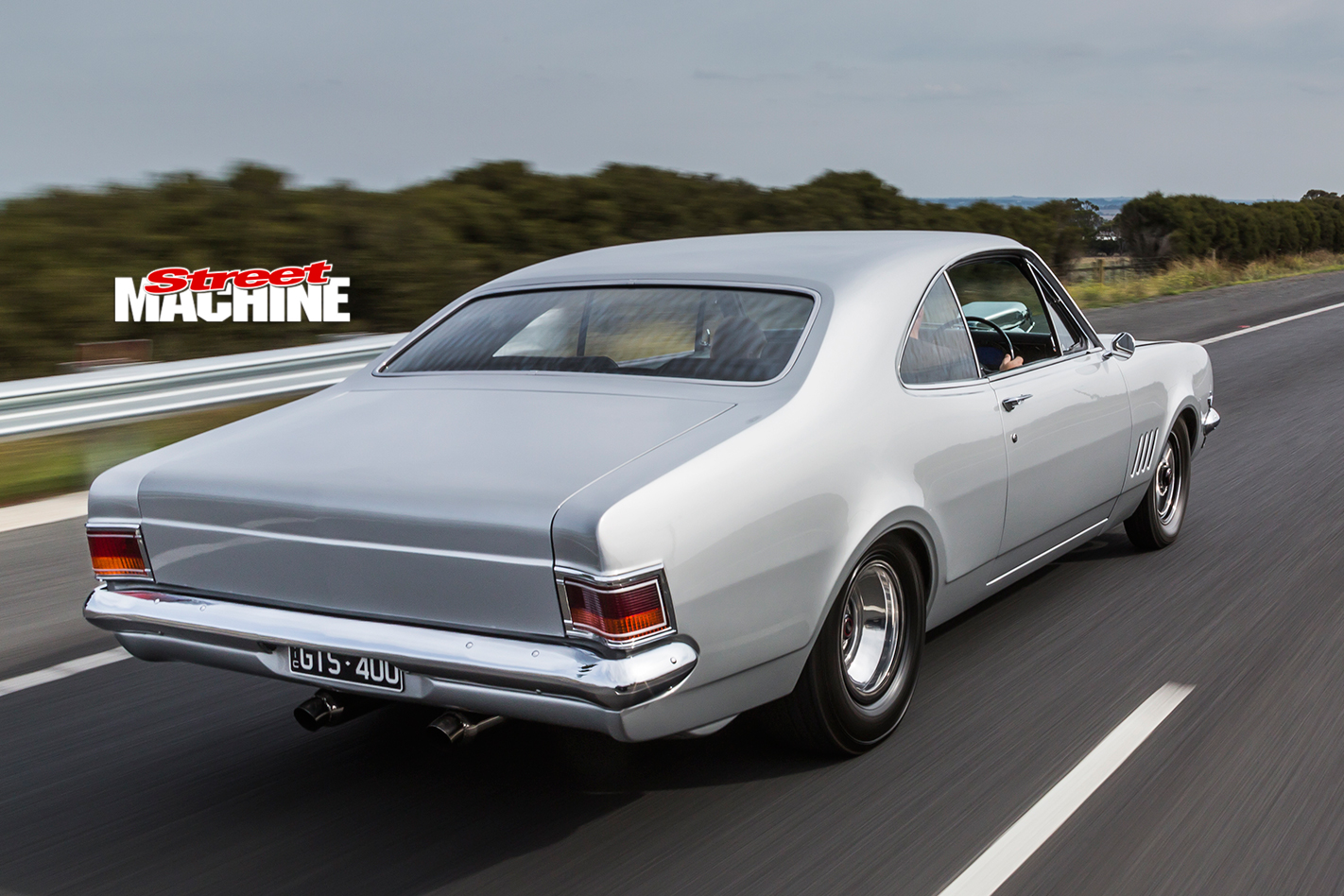 Holden -HG-Monaro -motion -rear