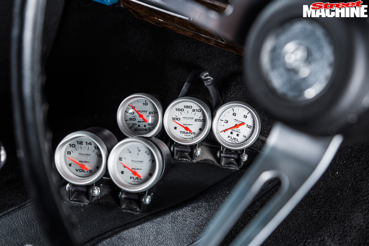 Holden -HG-Monaro -gauges -2