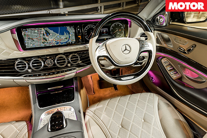 Mercedes -Maybach -S600-dashboard