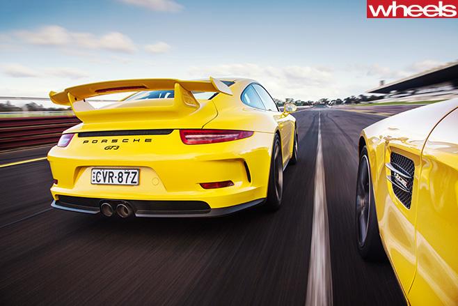 Porsche -GT3-driving