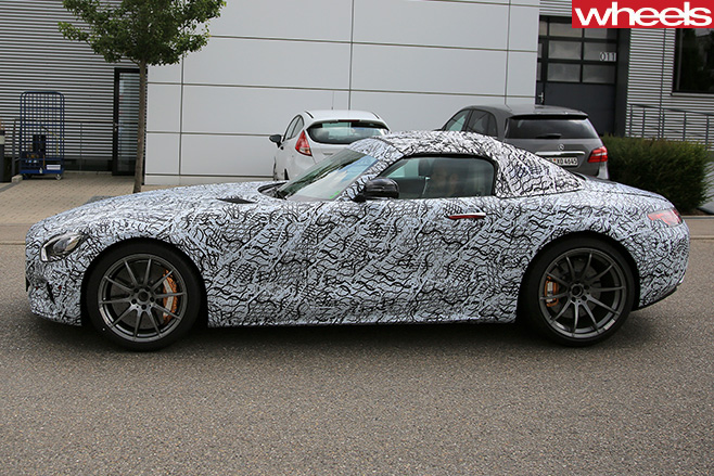 Mercedes -AMG-GT-roadster -front