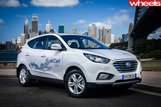 Hyundai -ix 35-fuel -cell -front -sidejpg