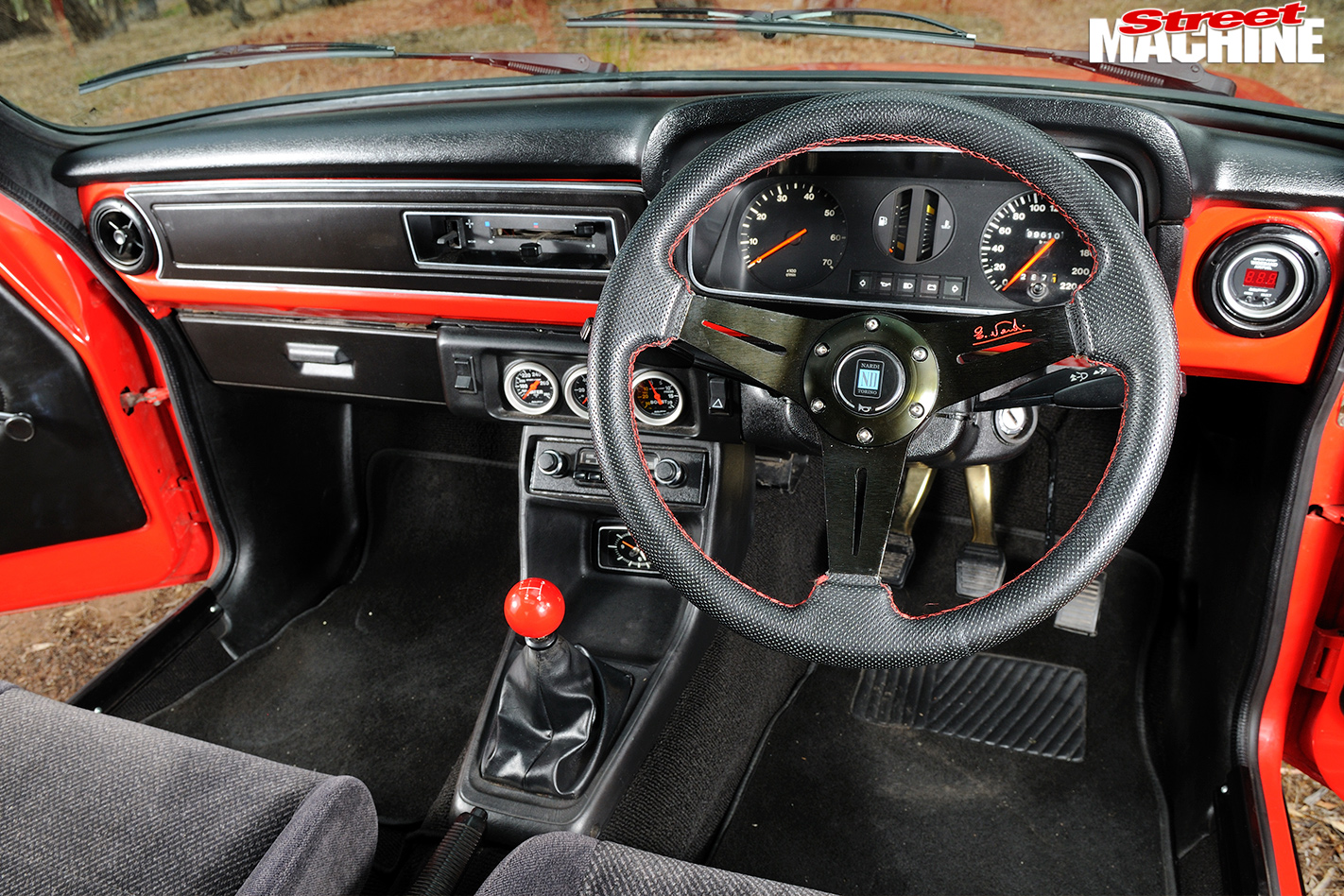 Ford -Escort -Sundowner -interior