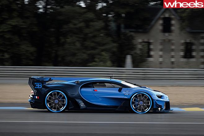 Bugatti -Chiron -driving -side