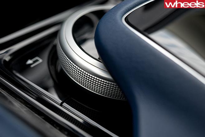 Aston -Martin -DB11-interior -dial