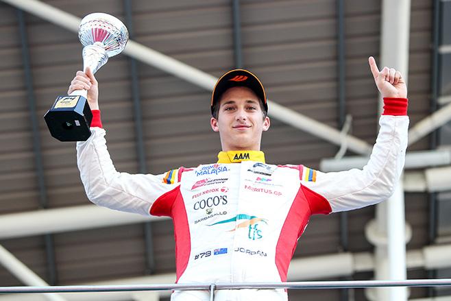Jordan -Love -Australian -Formula -4-racing -car -driver
