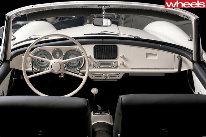 BMW-507-restored -interior