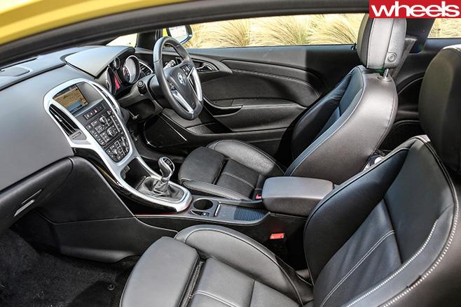 Sunny -Melon -Holden -Astra -interior