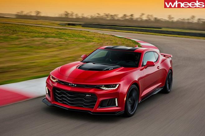 Chevrolet -Camaro -ZL1-driving