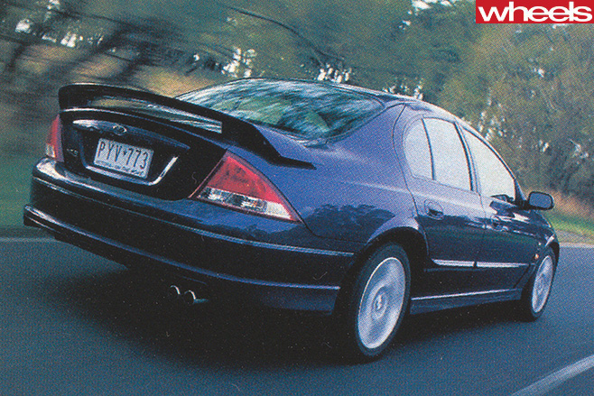 Ford -Falcon -Xr 8-driving -rear -side