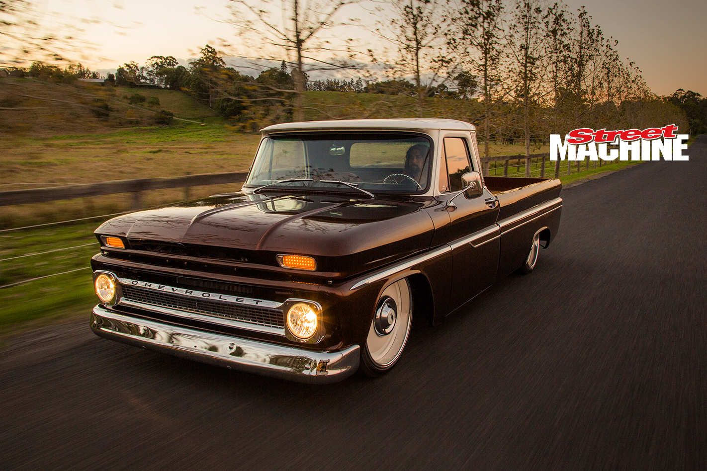 Chevy C10 Pick Up Custom Low LS1 3