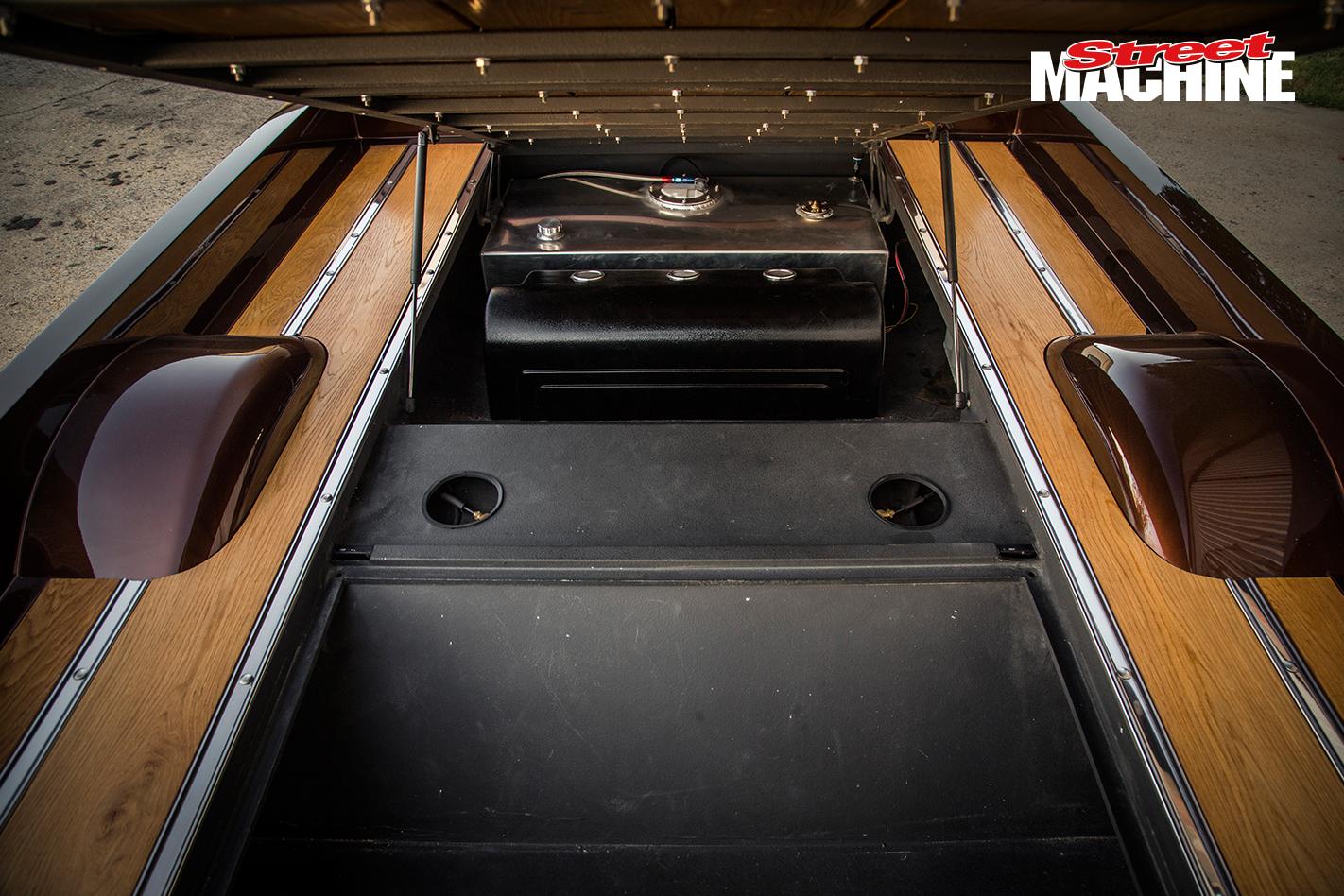 Chevy C10 Pick Up Custom Low LS1 8