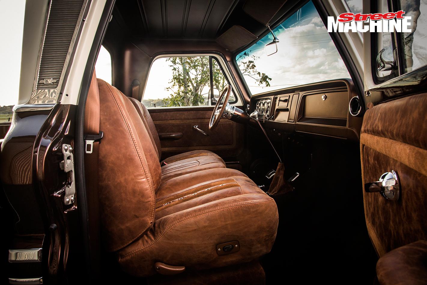 Chevy C10 Pick Up Custom Low LS1 11
