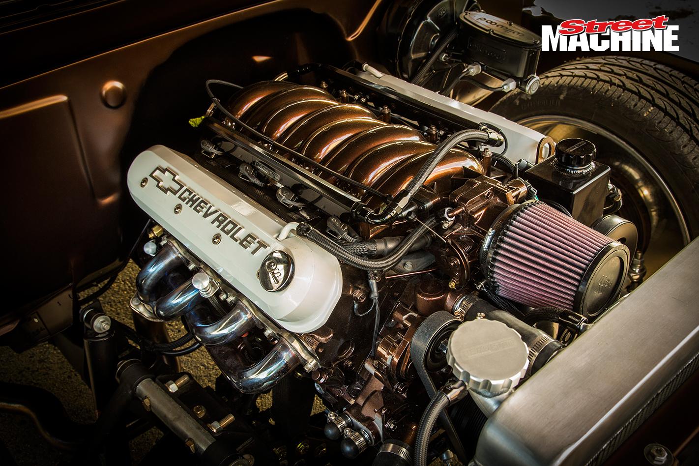 Chevy C10 Pick Up Custom Low LS1 Engine 1