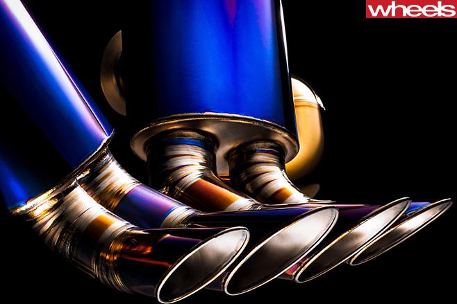 Valentino -Balboni -aftermarket -parts -exhaust -pipe