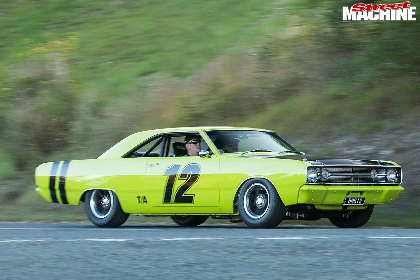 Dodge -Dart -motion -1