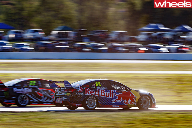 Holden -Commodore -V8-Supercars -sun