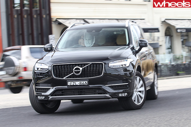 Volvo -XC90-driving -front