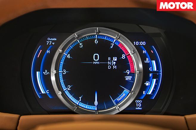 Lexus LC 500 tachometer