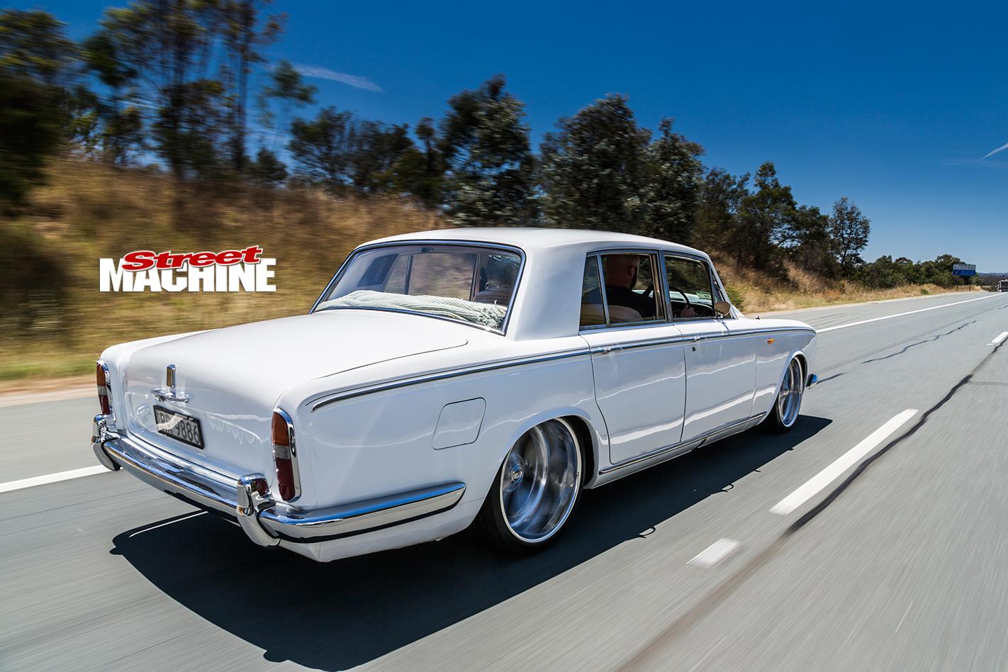 Rolls -royce -silver -shadow -onroad -rear