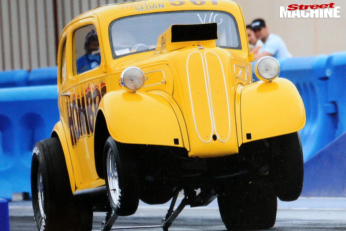 7-anglia -hombre -yellow