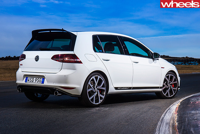 White -Volkswagen -Golf -GTI
