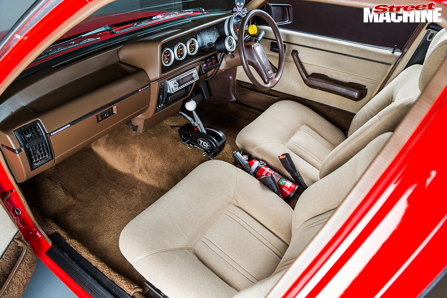 Holden -Commodore -VH-interior -front