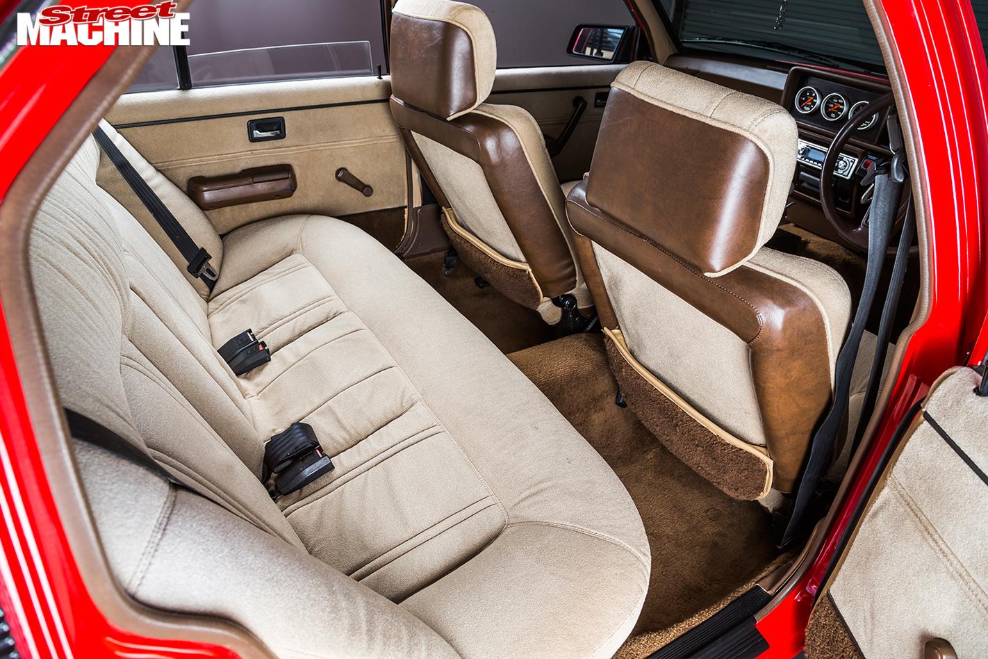 Holden -Commodore -VH-interior -rear
