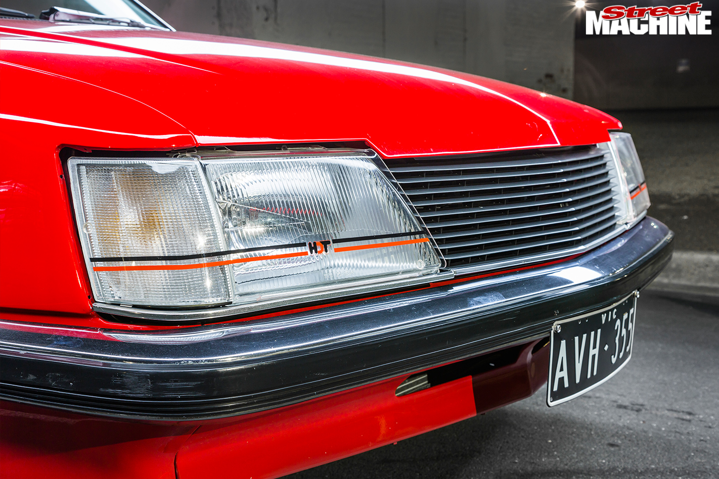 Holden -Commodore -VH-headlight