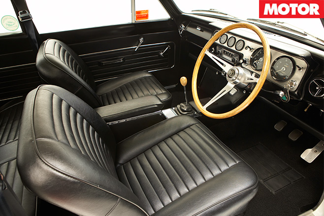 Lotus cortina interior front