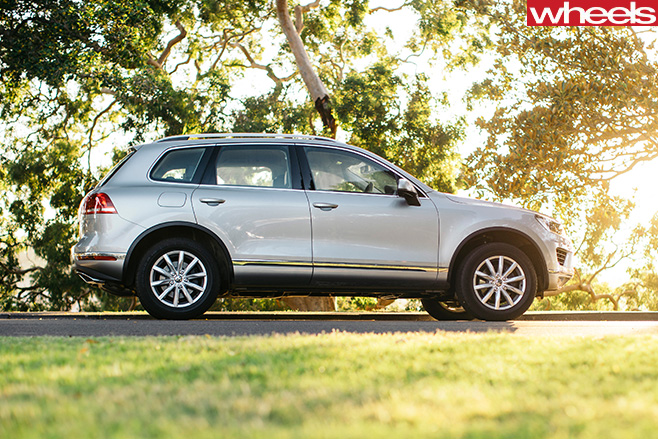 Volkswagen -SUV-side