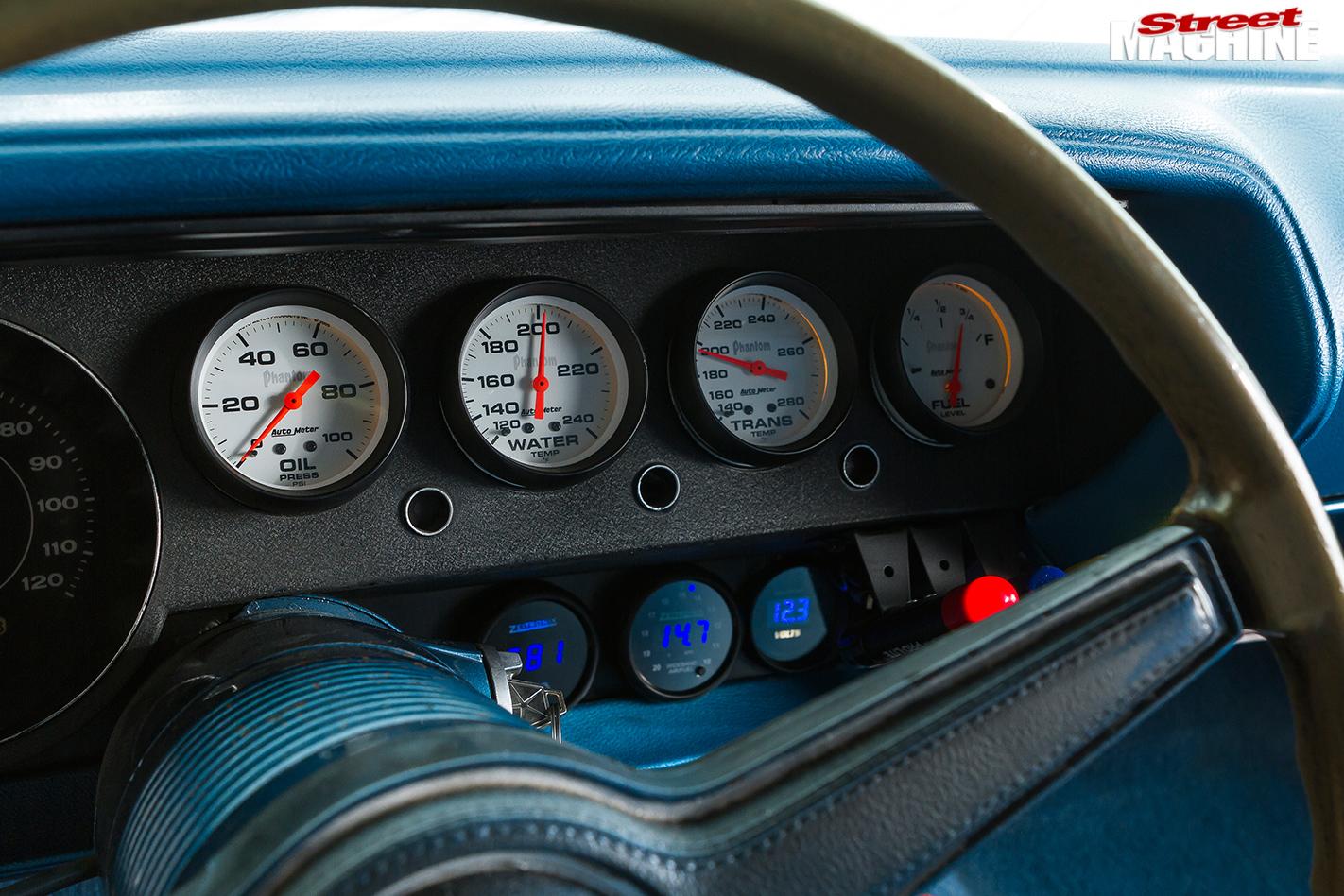 Plymouth -barracuda -gauges