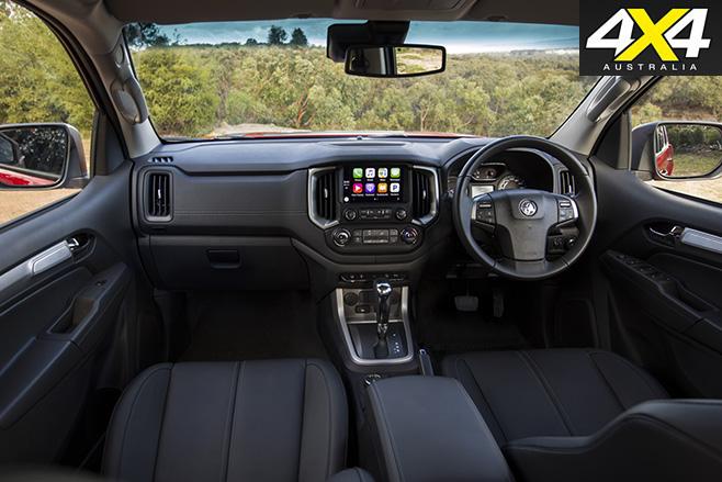Holden Colorado MY17 interior