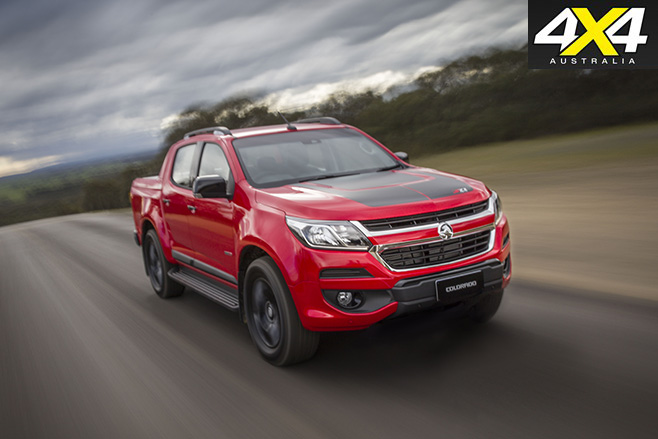 Holden Colorado MY17 road driving