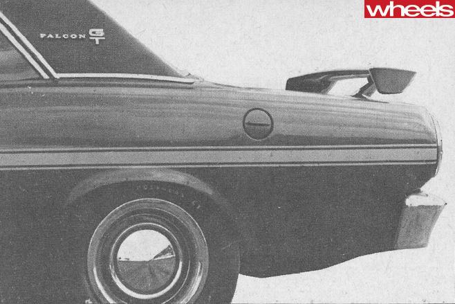 Ford -Falcon -XY-GT-351-rear -side
