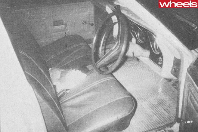 Ford -Falcon -XY-GT-351-interior