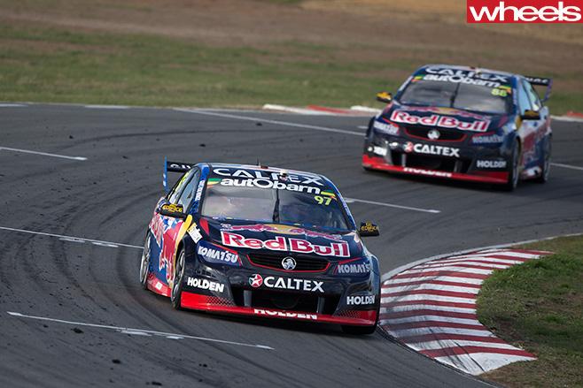 Red -Bull -HRT-Racing -Holdens