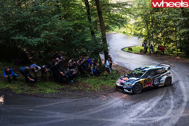 Ogier -VW-Polo -driving -around -rally -circuit