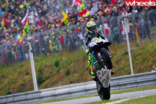 Yamaha -Moto GP-rider -wheelie