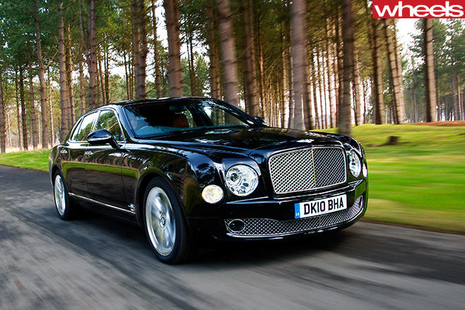 Bentley -Mulsanne -front -action -whl