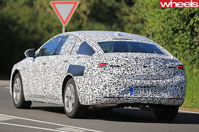 Opel -Insignia -spy -rear